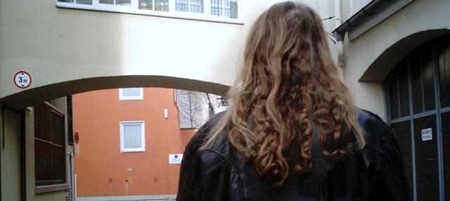 lange Haare von hinten