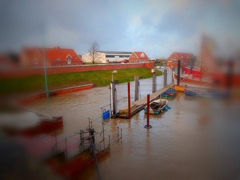 Ditzumer Hafen - gestern lief ich dort noch entlang (Tiltshift)
