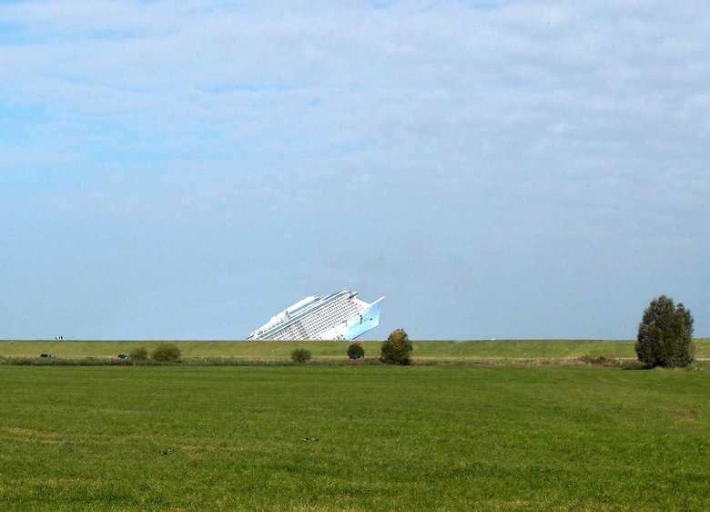 Schiff am Horizont - Meyerwerft und ihre Dreckschleudern