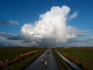 große Wolke am Himmel